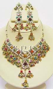 KNKS01011 Exclusive Victorian Jewelry Necklace Set With Tikka